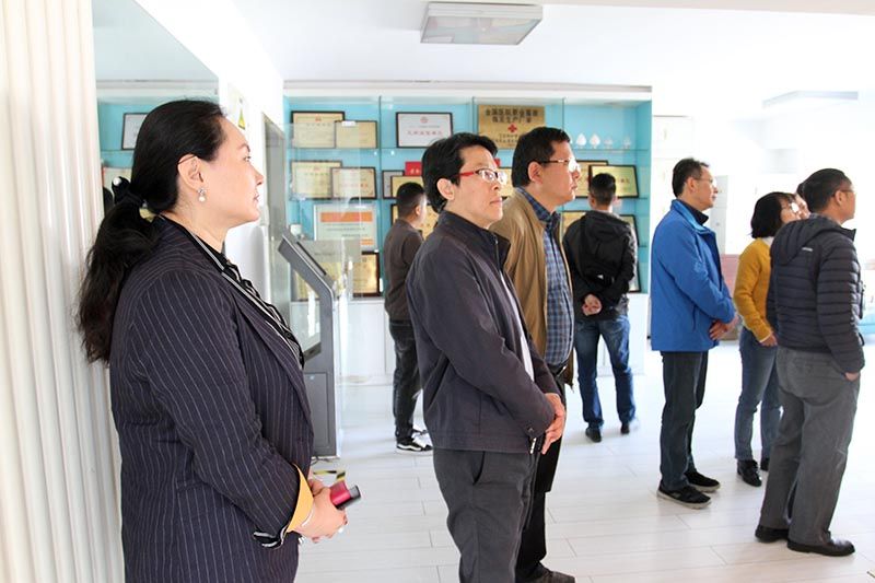 The Yunnan Investment Promotion Bureau team visited Nightingale Company to communicate and improve together
